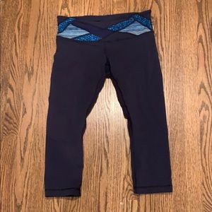 Lululemon Wunder under navy Capri leggings
